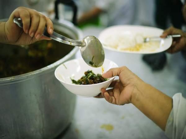 NGO provide food to transgenders during coronavirus lockdown in Delhi